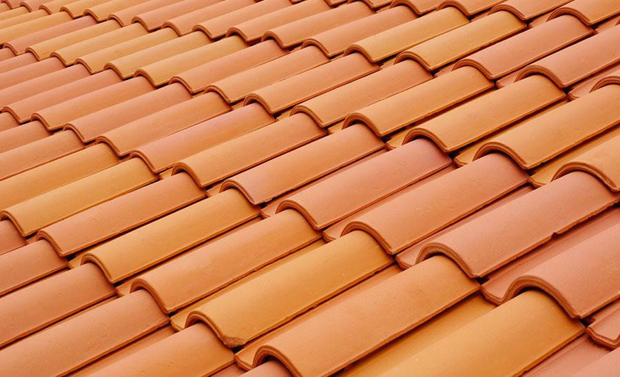 Le changement de couverture toiture global habitat for Prix de tuiles pour toiture